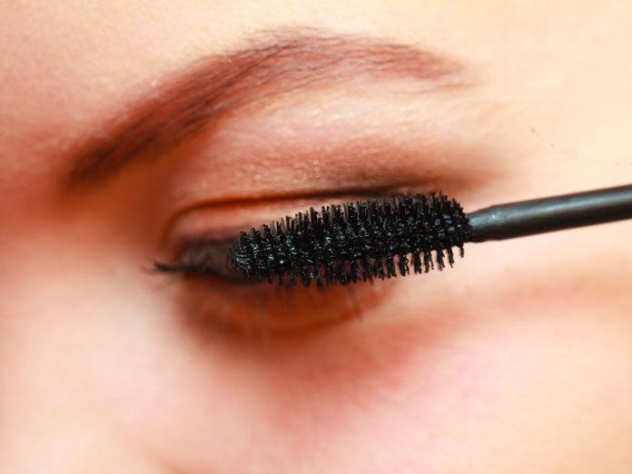 Jak malować oczy z opadającymi powiekami