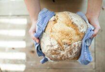 Pieczenie domowego chleba ma same zalety